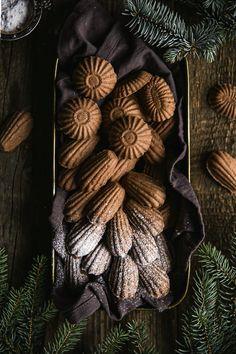 Raw arašidovo čokoládový koláčik (Reese`s) Xmas Food, Christmas Cookies, Halloween, Cake, Decor, Party, Xmas Cookies, Decoration, Christmas Crack