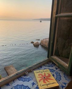 Sea and sun (via . European Summer, Italian Summer, French Summer, Summer Aesthetic, Travel Aesthetic, Sky Aesthetic, Flower Aesthetic, Into The Wild, Voyager Loin