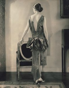 Marion Morehouse (Mrs. e.e. cummings) in Louiseboulanger dress (1926) – Edward Steichen (1879–1973)