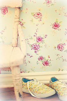 113 best vintage wallpaper images on pinterest wallpaper wall