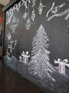 Chalkboard Christmas Tree - http://agoodehouse.com