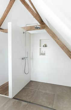 'Minimal Interior Design Inspiration' is a biweekly showcase of some of the most perfectly minimal interior design examples that we've found around the web - Interior Design Examples, Interior Design Inspiration, Design Ideas, Interior Ideas, Bad Inspiration, Bathroom Inspiration, Attic Bathroom, Small Bathroom, Attic Shower