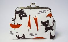 Cat purse by Tresgats on Etsy, $13.00