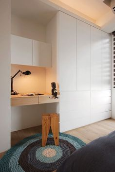 A Minimalist Family Home Design That Doesn't Sacrifice Fun coin bureau chambre Home Design, Home Office Design, Home Interior Design, Room Interior, Design Ideas, Bedroom Desk, Closet Bedroom, Ikea Closet, Girls Bedroom