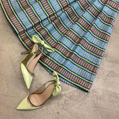 Gonna a righe e colori pastello per un pomeriggio di shopping con le amiche - Erika Cavallini Semicouture #ss15 #outfit #stripes #lookoftheday #shoppingonline #fashion #fashionista