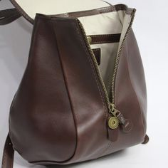 Leather Bags, Leather Jewelry, Leather Bag Tutorial, Cat Bag, Chanel, Backpacks, Shoulder Bag, Handbags, Crochet