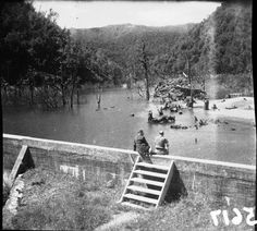 Nihotupu Auxiliary Dam. Access via Piha Rd at the Ian Wells Track (originally known as Wasley's) Photo 1930s. JTD-08B-05617 http://www.topomap.co.nz/NZTopoMap/trck36227/Waitoru-Track/Auckland