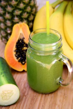 Pin for Later: From Smoothies to Salads to Soups: The Best Healthy Recipes of 2015 Debloating Smoothie Get the recipe here: debloating pineapple-papaya smoothie Breakfast Smoothies For Weight Loss, Weight Loss Smoothies, Healthy Smoothies, Healthy Drinks, Healthy Snacks, Healthy Eating, Healthy Recipes, Morning Smoothies, Detox Smoothies