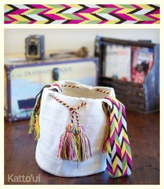 Crochet Art, Tapestry Crochet, Crochet Patterns, Ethnic Bag, Tapestry Bag, Patchwork Bags, Yarn Projects, Knitted Bags, Crochet Accessories