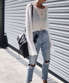Denim Outfits : What to Wear on a Summer Date Night in Sydney Summer street style Street Style Outfits, Looks Street Style, Street Style Summer, Mode Outfits, Looks Style, Looks Cool, Casual Outfits, Summer Outfits, Fashion Outfits