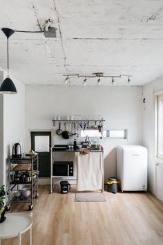 Interior design is the best thing you can do for your home Modern Home Interior Design, Interior Architecture, Interior Logo, Simple Interior, Interior Plants, Classic Interior, Scandinavian Interior, Small Apartment Interior, Apartment Living