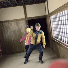 노보리베쓰 시대촌에는 에도시대 건물을 재현해놓았다. 실내에는 미로같은 복도와 방이 있는데 그 가운데 꽤 많이 기운 방이 있어서 흥미로웠다.