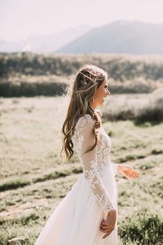 Wedding Dresses Beautiful lace long sleeve wedding dress - Gorgeous Winter Wedding Gowns we loved that fit for any winter wedding - Try Classic Long Sleeves or Winter wedding gowns in Deeper Shade of White Long Sleeve Wedding, Wedding Dress Sleeves, Lace Sleeves, Long Sleeved Wedding Dresses, Perfect Wedding, Dream Wedding, Wedding Day, Gown Wedding, Wedding Blog