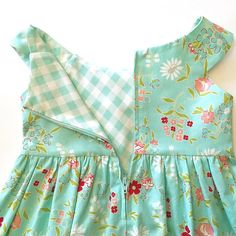 The Effective Pictures We Offer You About baby dress patterns peter pan A quality picture can tell y Toddler Dress Patterns, Sewing Patterns Girls, Baby Clothes Patterns, Clothing Patterns, Little Girl Dress Patterns, Little Girl Fashion, Kids Fashion, Little Girl Dresses, Girls Dresses