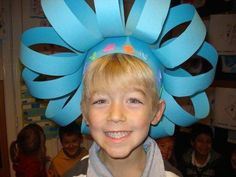 fun head dresses to make Funky Hats, Crazy Hats, Art For Kids, Crafts For Kids, Arts And Crafts, Dr Seuss Activities, Carnival Decorations, Jester Hat, Silly Hats