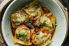 wonton in chilli broth asian recipes Steamed wontons in chilli broth I Love Food, Good Food, Yummy Food, Tasty, Vegetarian Recipes, Cooking Recipes, Healthy Recipes, Cooking Pasta, Healthy Dinners
