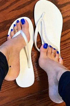 Super sexy feet and toes, love the color