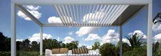 Terrassendach ausfahrbar: Lamellendach-System mit maximaler Flexibilität Pergola Designs, Balcony, Outdoor Structures, Lust, Outdoor Decor, Diy, Home Decor, Fireplace Design, Fire Places