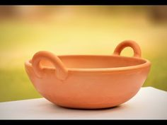 Mrida offers wide range of clay cooking pans.Be Non-toxin & fit with terracotta cooking pots. Organic Recipes, Mexican Food Recipes, Pottery Designs, Glazes For Pottery, Earthenware, Stoneware, Clay Pots, Kitchen Items, Wok