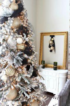 A silver Christmas decoration - HomeCNB Silver Christmas Decorations, Black Christmas Trees, Merry Christmas, Ribbon On Christmas Tree, Christmas Tree Themes, Christmas 2016, Christmas Mantles, Christmas Villages, Christmas Christmas