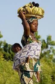 Afbeeldingsresultaat voor afrika mama met kind op rug