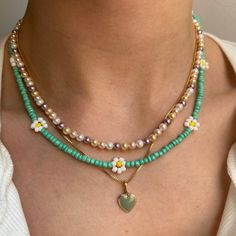 Trendy Necklaces, Trendy Jewelry, Summer Jewelry, Cute Jewelry, Jewelry Accessories, Jewelry Necklaces, Beaded Bracelets, Pearl Necklaces, Beaded Necklace Patterns