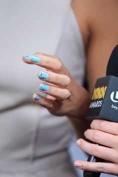 Today's Nail Obsession: Glitter-tipped Blue