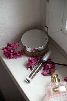 October Beauty Favorites Elemis Cleansing Balm WunderBrow and Valentino Donna