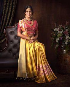 An Epitome of Royalness - These Pictures Of Shriya Saran Look Just Like A Ravi Varma Painting Indian Bridal Sarees, Indian Bridal Wear, Indian Wedding Outfits, Bridal Outfits, Indian Wear, Beautiful Saree, Beautiful Outfits, Silk Saree Blouse Designs, Saree Photoshoot