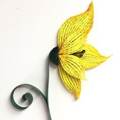 When you mess up making one thing and end up with something totally different = windswept flower for the secret garden piece. #quilling #quillingart #quillingartist #flowers #quillingflower #practiquills #paperflowers #yellow #wvartist #wvart #paperart