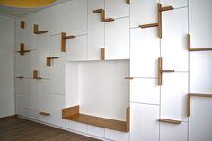 Filip Janssens, architecte d'intérieur entre Belgique et Hollande s'essaye à la création de mobilier en reprenant ses codes appliqués ici à un buffet baptisé Buffetkast.