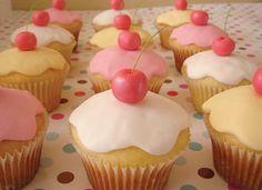 Imagen de cupcake, cherry, and food