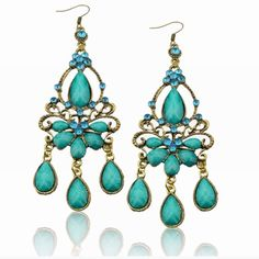 """Listing! Beautiful Rhinestone Dangle Earrings! NWT, Beautiful Vintage Style, Teal Blue Gemstone Chandelier Dangle Earrings! Beautiful blue color, full of sparkle, these will make you sparkle for your night out on the town! Not heavy, should not pull, measure ~ 3.75"""" @ their longest & 1.25"""" @ their widest. These earrings are meant for fun, no real Gemstones here, but are an absolute Beauty!  Please ask any questions before purchasing!  Price Firm unless Bundled! ❌Trades Jewelry Earrings"""