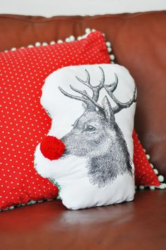 DIY: Rudolph the red nosed reindeer pillow tutorial - I LOVE THIS SO MUCH!!!!