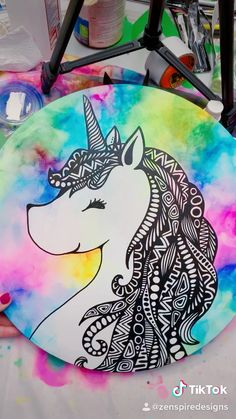 Discover recipes, home ideas, style inspiration and other ideas to try. Unicorn Painting, Unicorn Drawing, Unicorn Art, How To Draw Unicorn, Unicorn Crafts, Doodle Art Drawing, Mandala Drawing, Cool Art Drawings, Drawing Sketches