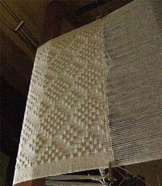 eggshell shawl on lo