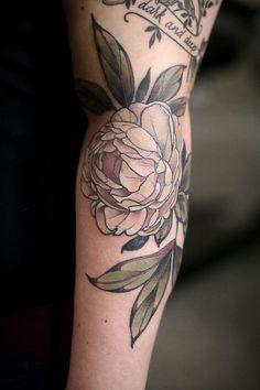 Kirsten Holliday - Wonderland Tattoo, Portland