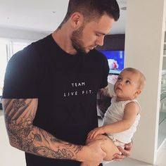 Rare boy names 2016 are full of references in history and ancient tales. These baby names for boys will shake things up and introduce new fascinating ideas. Father And Baby, Dad Baby, Baby Boy, Sweet Baby Photos, Cute Baby Pictures, Reece Hawkins, Daddy Daughter Pictures, Baby Girl Names Elegant, Tammy Hembrow
