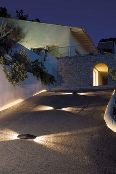 Precious Tips for Outdoor Gardens - Modern Driveway Lighting, Walkway Lights, Backyard Lighting, Exterior Lighting, Outdoor Wall Lighting, Landscape Lighting, Pathway Lighting, Lighting Concepts, Lighting Design