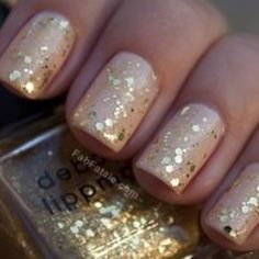 Gold nails for your wedding.... pretty!