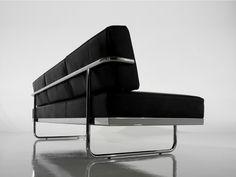 ... Cassina LC5 Three Seater Sofa ...