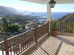 Villa Costa azul, (Icod de los Vinos City) - Self-catering apartment with Terrace in Icod de los Vinos City, sleeps 6 | HomeAway