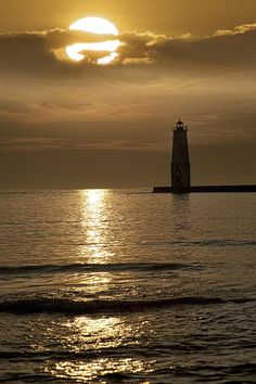✯ Sunset at the Frankfort Lighthouse in Michigan
