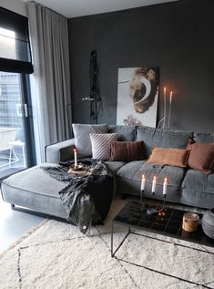 46 Cozy Living Room Ideas and Designs for 2019 When you're selecting your furniture for your cozy living room ideas, size and plushness count. Soft fabrics and lots of comfortable seating providing a warming and relaxing feel. Small Apartment Living, Cozy Living Rooms, Home And Living, Living Room Decor, Modern Living Room Curtains, Comfortable Living Rooms, Decor Room, Small Living, Bedroom Decor