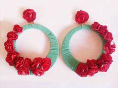 Moxu Complementos Bridal Jewelry, Beaded Jewelry, Handmade Jewelry, Earring Trends, Thread Jewellery, Soutache Earrings, Flower Fashion, Jewelry Accessories, Jewelry Design