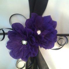 Easy streamer flowers for gift wrap. So cute, thank you pinterest