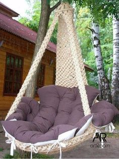 No pattern and in Russian, but I dig the chair. Macrame Hanging Chair, Macrame Chairs, Diy Furniture, Furniture Design, Macrame Projects, Swinging Chair, New Room, Porch Swing, Dream Bedroom
