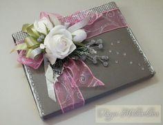 (4) Gallery.ru / Фото #41 - Оформление конфетных коробок. Тортики из конфет. - boogi-woogi Wedding Gift Wrapping, Creative Gift Wrapping, Creative Gifts, Wrapping Ideas, Candy Flowers, Paper Flowers, Wedding Candy, Wedding Gifts, Gift Wraping