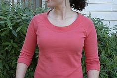 Vogue 1389 - Casual coral sweatshirt