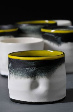 Tiny_pots_with_yellow kyracane.co.uk porcelain